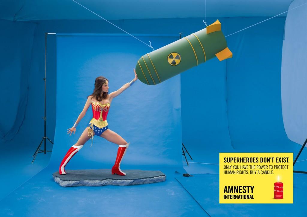 amnesty-international-superman-wonder-woman-print-356209-adeevee